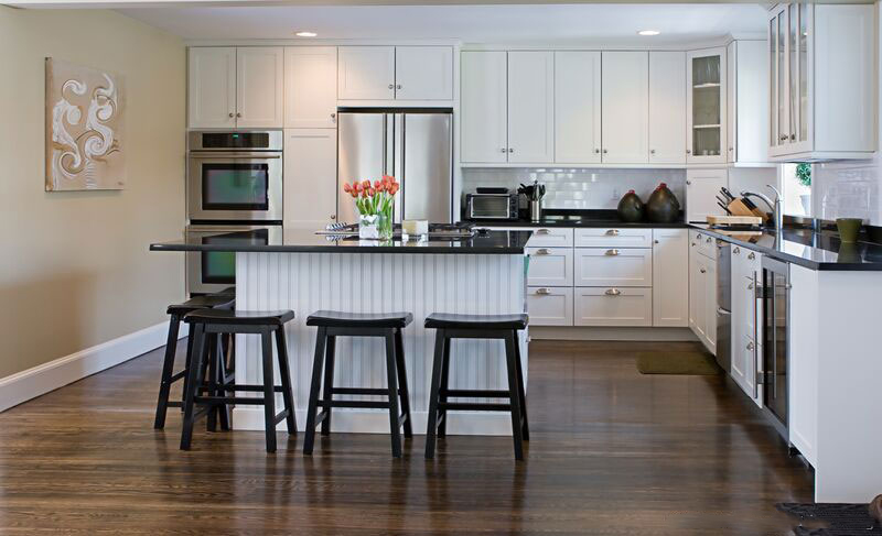 kitchen-cabinets-traditional-white-006a-s12498670-island